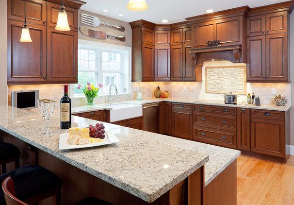 Modern Kitchen Giallo Ornamentale Granite Counters