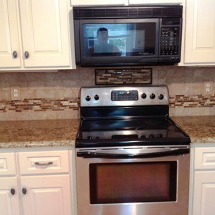 Immagine di una cucina chic