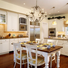 Traditional Kitchen by Pyramid Builders