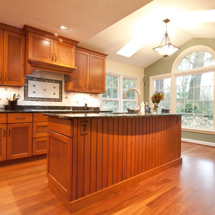 Kitchen - traditional kitchen idea in DC Metro
