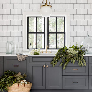 75 Most Popular Farmhouse Kitchen With Gray Cabinets Design Ideas