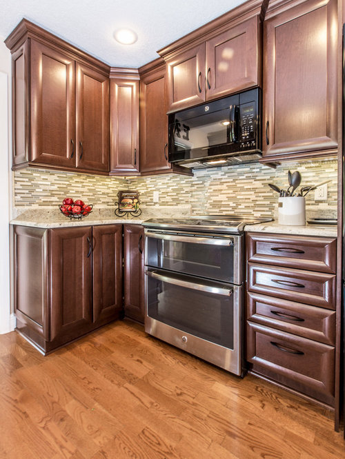 Traditional galley kitchen design ideas renovations photos for Cabico kitchen cabinets reviews