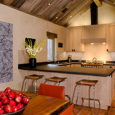 Contemporary Kitchen by Menendez Architects PC