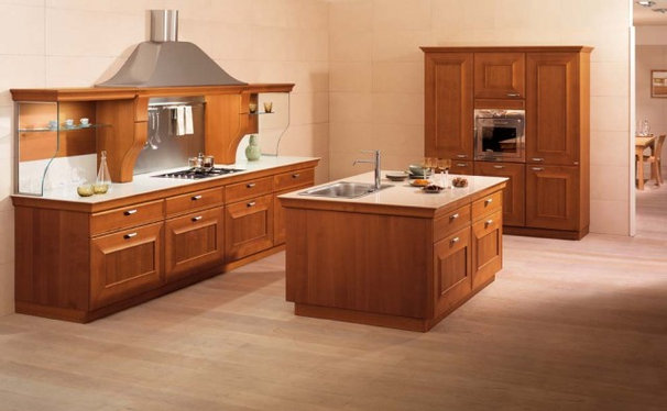 Traditional Kitchen by Snaidero