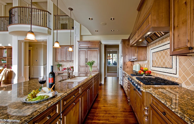 Traditional Kitchen by Gelotte Hommas Architecture
