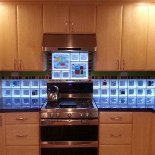 Contemporary kitchen ideas - Kitchen - contemporary kitchen idea in Cleveland