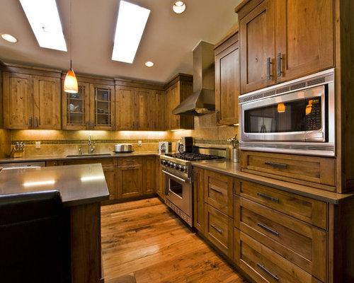 Split foyer kitchen design ideas remodels photos for Split foyer kitchen ideas