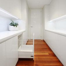 Modern Kitchen by Melbourne Contemporary Kitchens