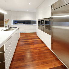 Modern Kitchen by Melbourne Contemporary Kitchens