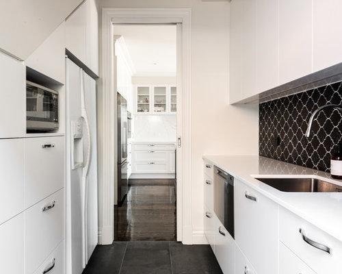 k chen mit schwarzer k chenr ckwand und arbeitsplatte aus fliesen ideen bilder. Black Bedroom Furniture Sets. Home Design Ideas