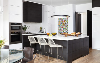 New This Week: 3 Stunning Black-and-White Kitchens