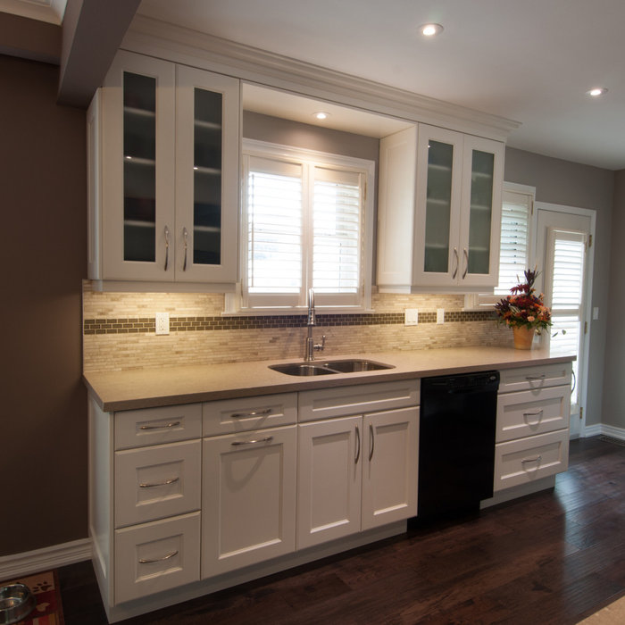 Glencrest Transitional Kitchen