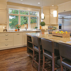 Contemporary Kitchen by DME Construction