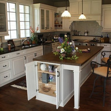 Traditional Kitchen by Lyndhurst Lumber
