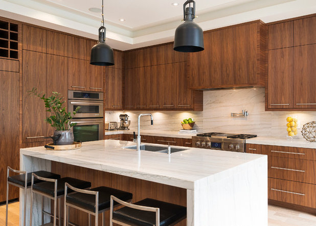 Contemporary Kitchen by LB Design