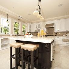 Contemporary Kitchen by Globus Builder