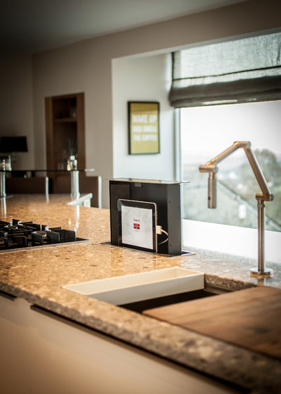 Contemporary Kitchen by Arlington Interiors