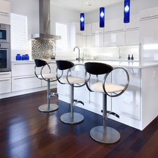 Modern Kitchen by Handwerk Interiors