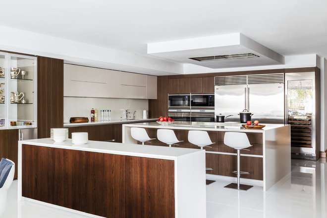 Contemporary Kitchen by BBH Design Studio