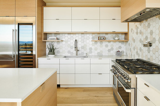 Contemporary Kitchen by MDRN Built Ltd