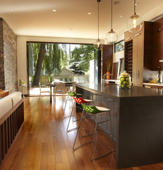 modern kitchen by En2 Development Corp