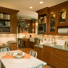 Traditional Kitchen by Therese DuBravac