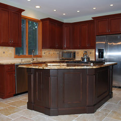 traditional kitchen by Artisan Interiors Custom Cabinet Refacing