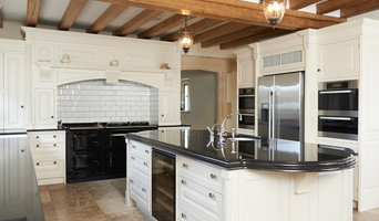 GOURMET KITCHEN WITH BEAMS