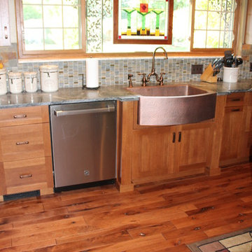 Grabill Rift Cut White Oak Benchmark Shaker Kitchen in Glenwood