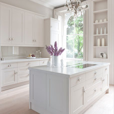 Traditional Kitchen by Mowlem & Co