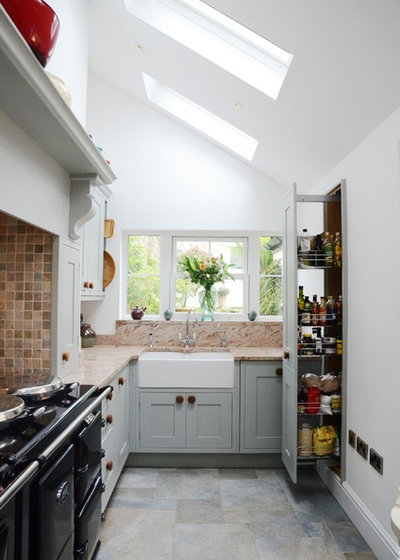 Классический Кухня by Susie Hammond Design