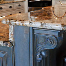 Traditional Kitchen by Grain Fine Cabinetry