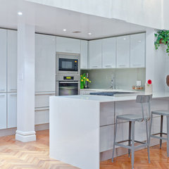 modern kitchen by Marie Burgos Design