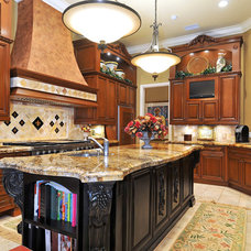 Mediterranean Kitchen by Bella Luna Services, Inc.