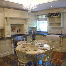 Traditional Kitchen by Heaven & Stubbs Bespoke Furniture Ltd