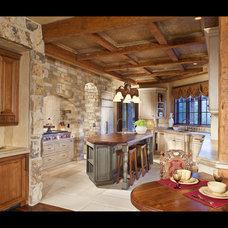Traditional Kitchen by Studio 10 Interior Design
