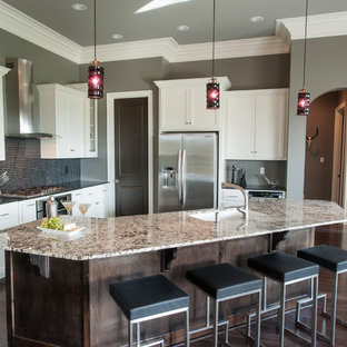 Contemporary kitchen photos - Example of a trendy kitchen design in New Orleans