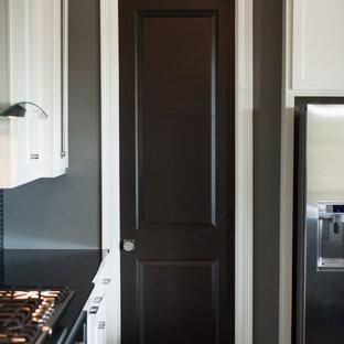 Contemporary kitchen inspiration - Inspiration for a contemporary kitchen remodel in New Orleans
