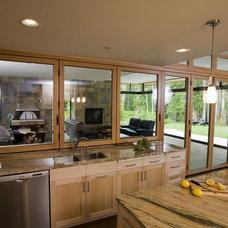 Modern Kitchen by Roberts Wygal