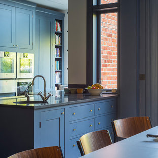 Grand traditional family Kitchen