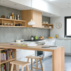Contemporary Kitchen by O plus L