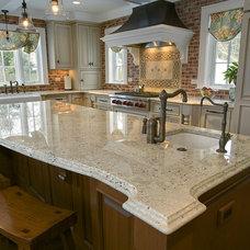 Traditional Kitchen Granite Countertops