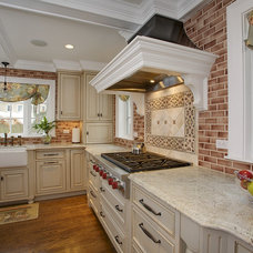 Traditional Kitchen Granite Countertops