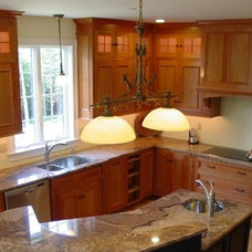 Traditional Kitchen by Granite Creations