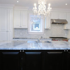 Contemporary Kitchen by TorontoGranite.com