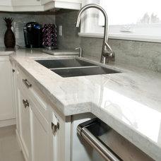 Contemporary Kitchen by TorontoGranite.com