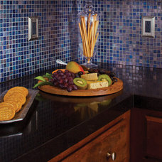 Traditional Kitchen by Granite Transformations