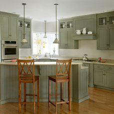 Traditional Kitchen by Heartwood Kitchens