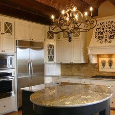 Mediterranean Kitchen by Jenkins Custom Homes
