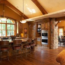 Traditional Kitchen by Gabberts Design Studio